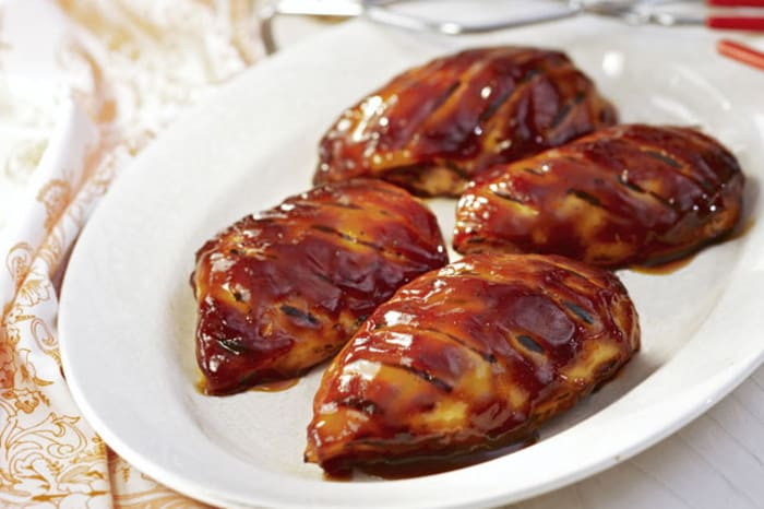 How long to cook bbq chicken breast in the oven