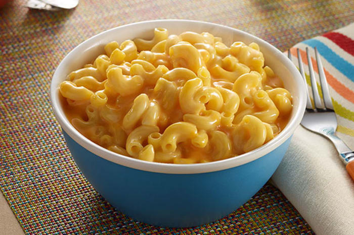 Recipe for homemade baked mac and cheese with velveeta