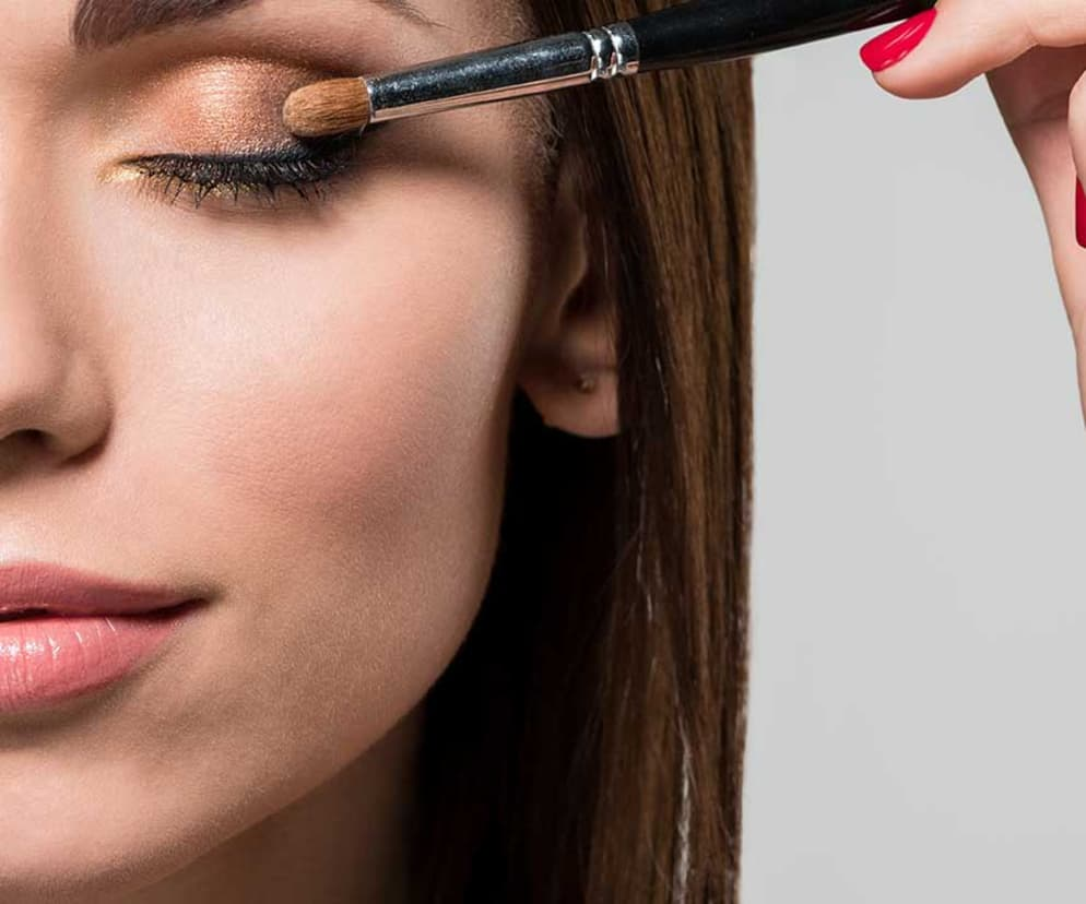 Learn How To Apply Eye Makeup With Tips Tutorials From Loral Paris