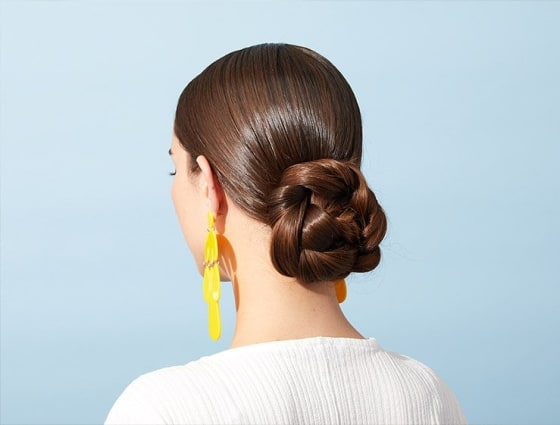 The Perfect Messy Bun In 3 Steps Makeup Com