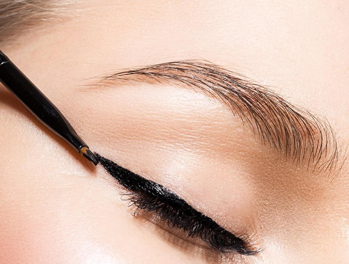 7 Makeup Mistakes That Make Your Eyes Look Smaller