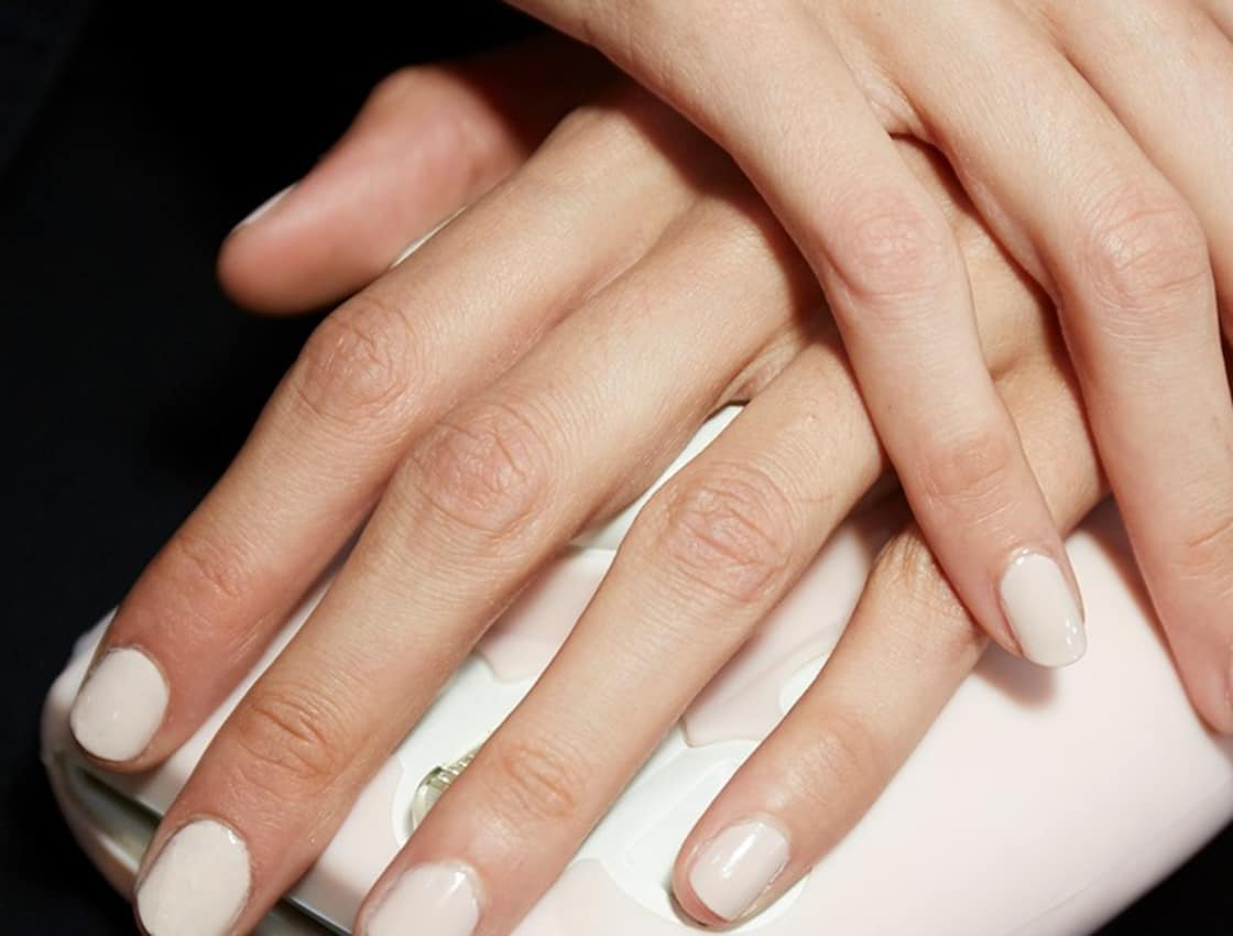 How To Flawlessly Maintain Your Gel Manicure