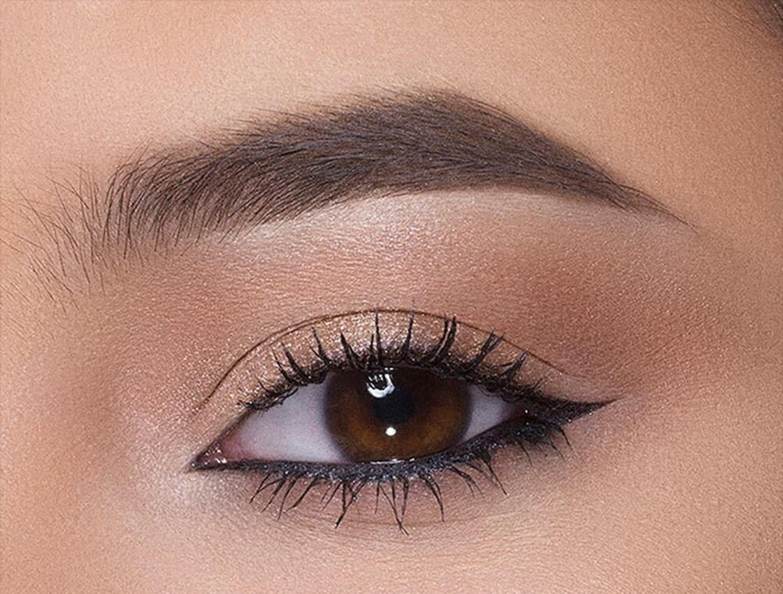 5a341813749 10 Eyeliner Tips That Will Seriously Up Your Liner Game