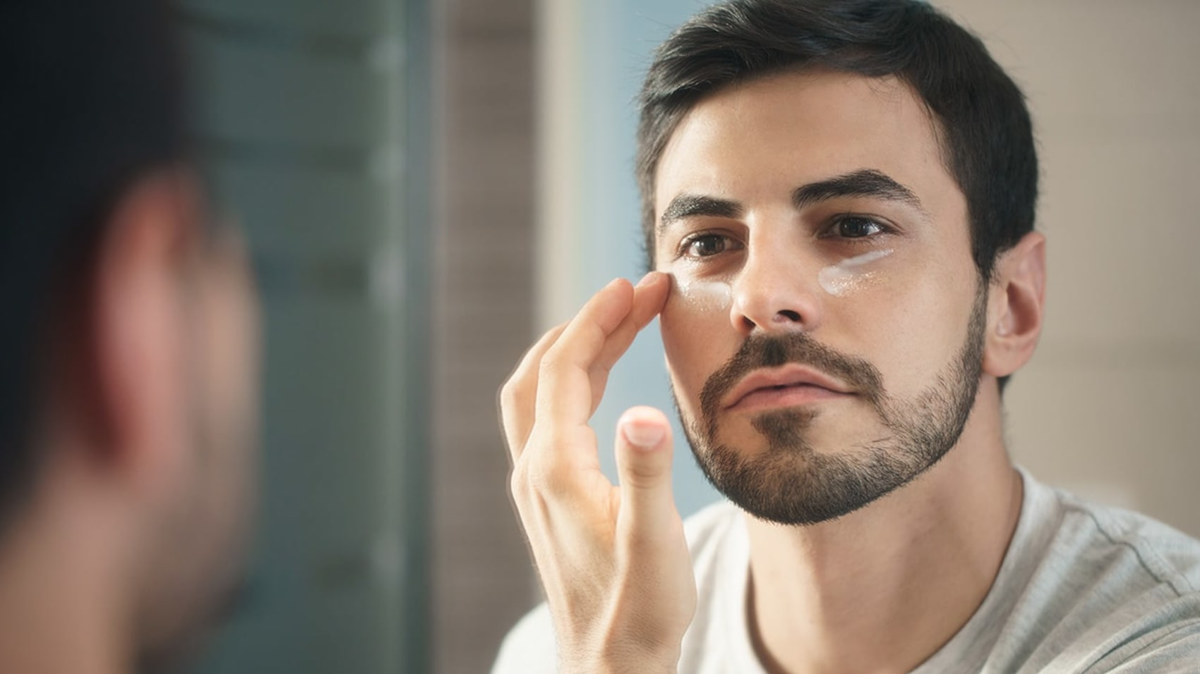 10 Mistakes You Could Be Making with Your Eye Cream - L
