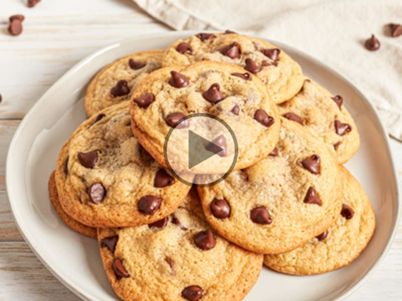Old-Fashioned Peanut Butter Chocolate Chip Cookies | NESTLÉ® Very ...
