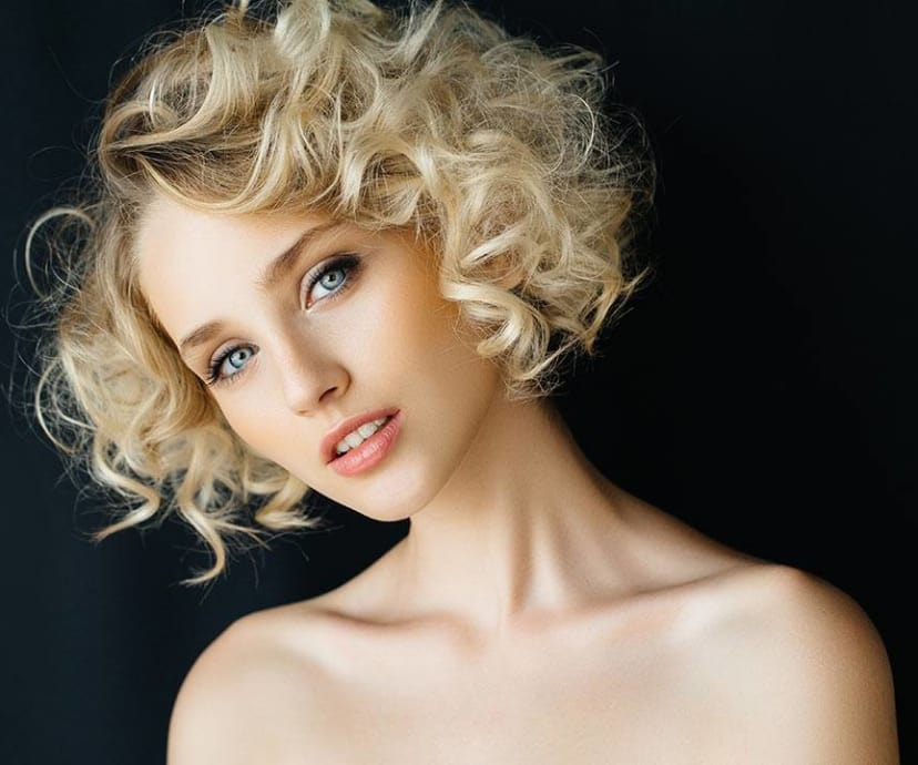 How to Dye Your Hair Blonde at Home - L\'Oréal Paris