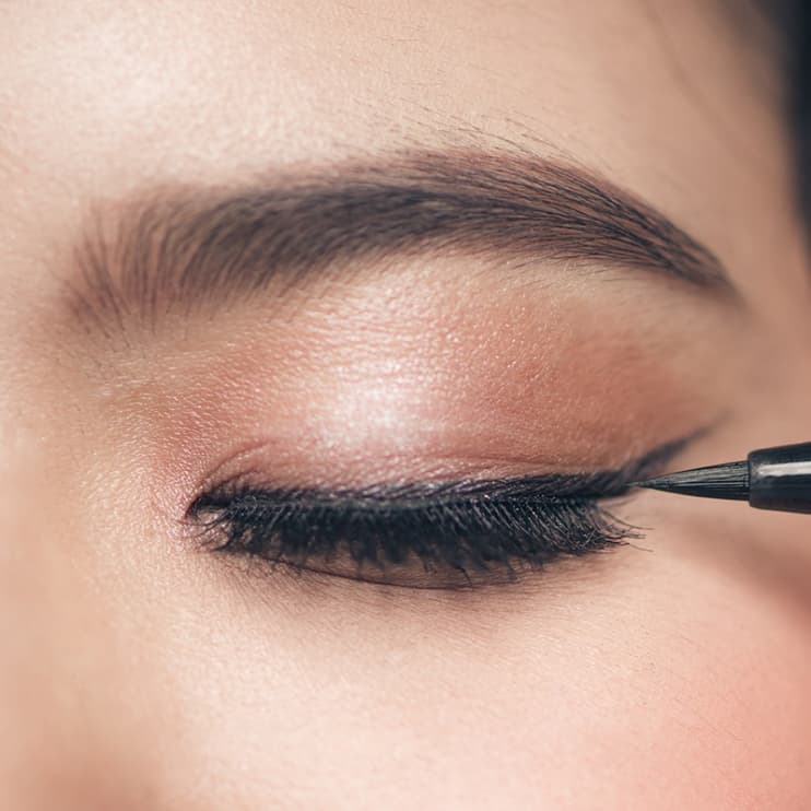 Makeup Ideas under eye hollows makeup photographs : 6 Things You Can Do With Concealer Other Than Conceal
